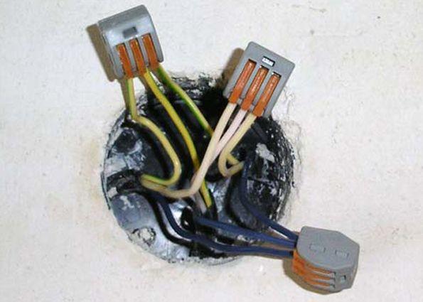 Соединители проводов: колпачки (СИЗ), клеммы