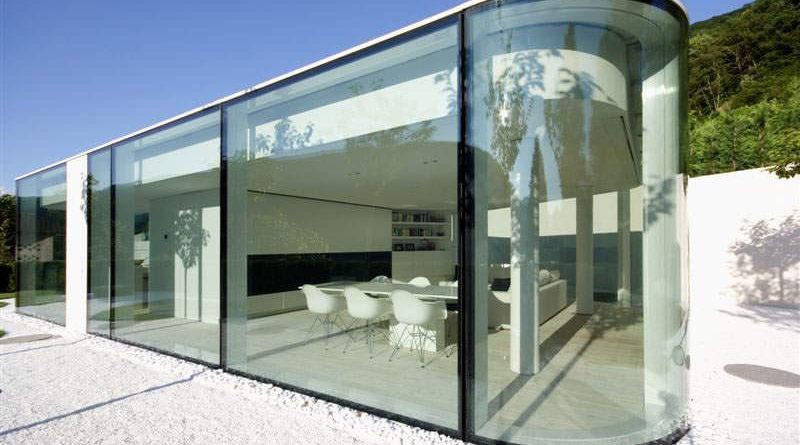 Стеклянный дом (фото): преимущества и недостатки домов со стеклянными фасадами