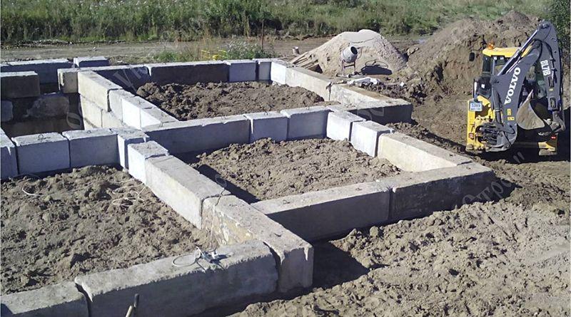 Фундамент из блоков ФБС: назначение блоков, плюсы и минусы, монтаж