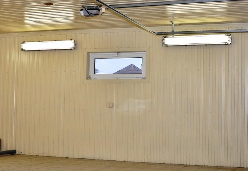 Чем обшить гараж изнутри: основные виды обшивки, их преимущества и недостатки