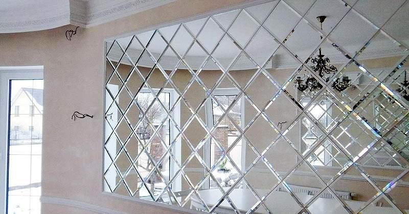 Зеркальная плитка с фацетом (фото): преимущества и недостатки, особенности монтажа