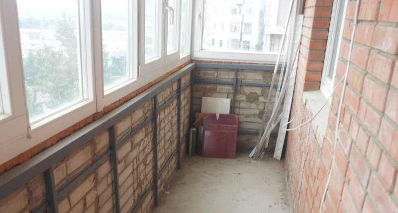 кирпичный балкон